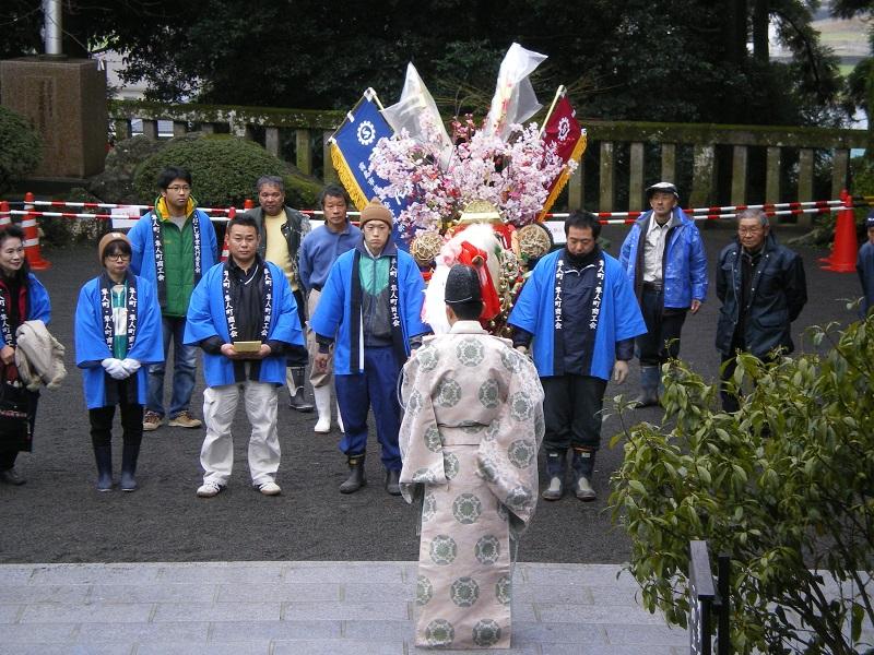 鹿児島神宮で鈴かけ馬のお祓いを