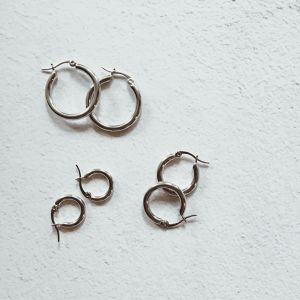 silver thick hoop pierce