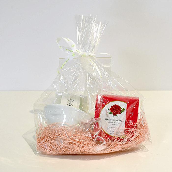 大切な方への贈り物にぴったり!「バラ煎茶とうつわのギフトセット」