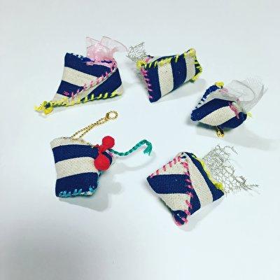 なんともいえない絶妙な形がグッとくるuifui.【ウイフイ.】の手縫いブローチ
