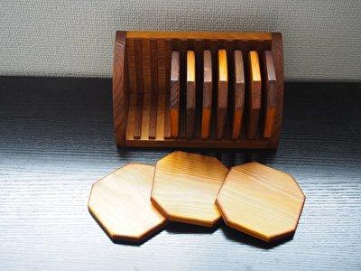 オシャレに収納!ほのかな木の香りがやさしい八角形コースター