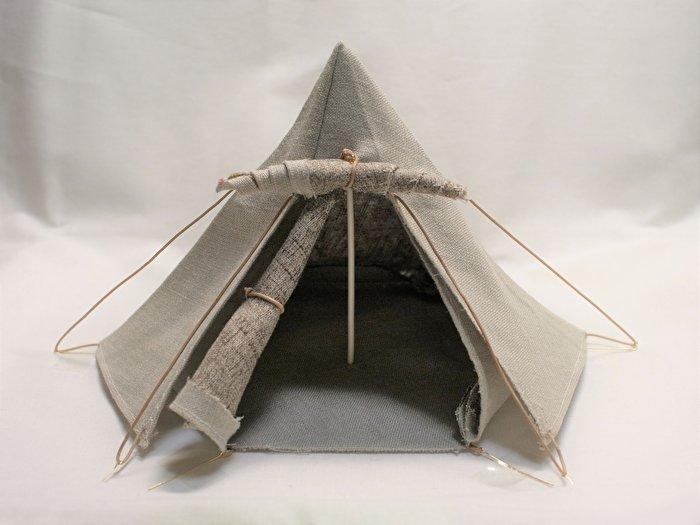 1/12サイズのドール「ピコニーモ」シリーズの情景小物として使える、「ちびテント1号」