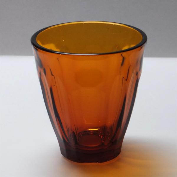 琥珀色のグラス