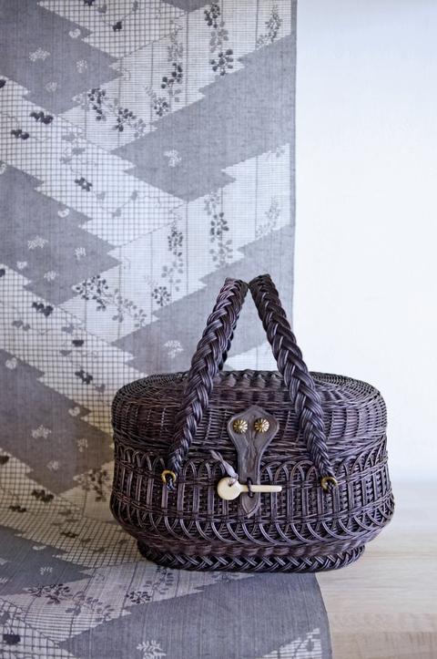 フランスの籠と浴衣のコーディネート。