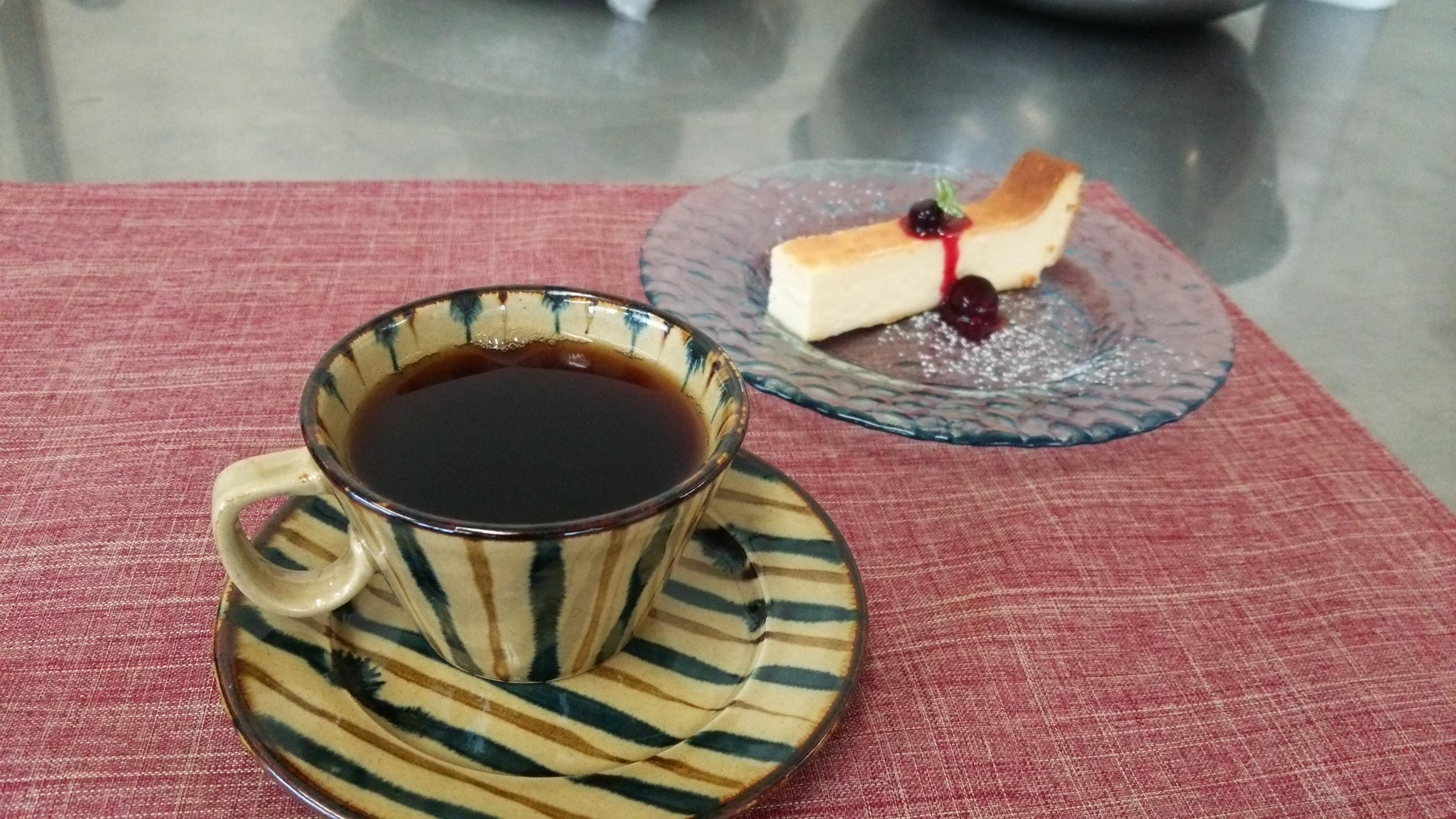 ~特選ブレンドコーヒーと濃厚チーズケーキ~