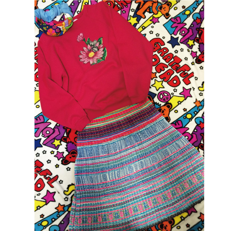 モン族カラフル刺繍プリーツスカート、ネオンな着こなし♪