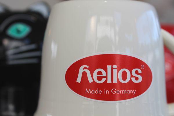 40℃で24時間。60℃で10時間保温。コーヒー等のにおい移りが少ない石灰ガラス製の魔法瓶です