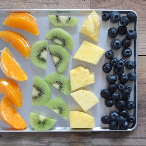 スムージーを作る時に、果物を冷凍する3つの良い所と、冷凍方法について