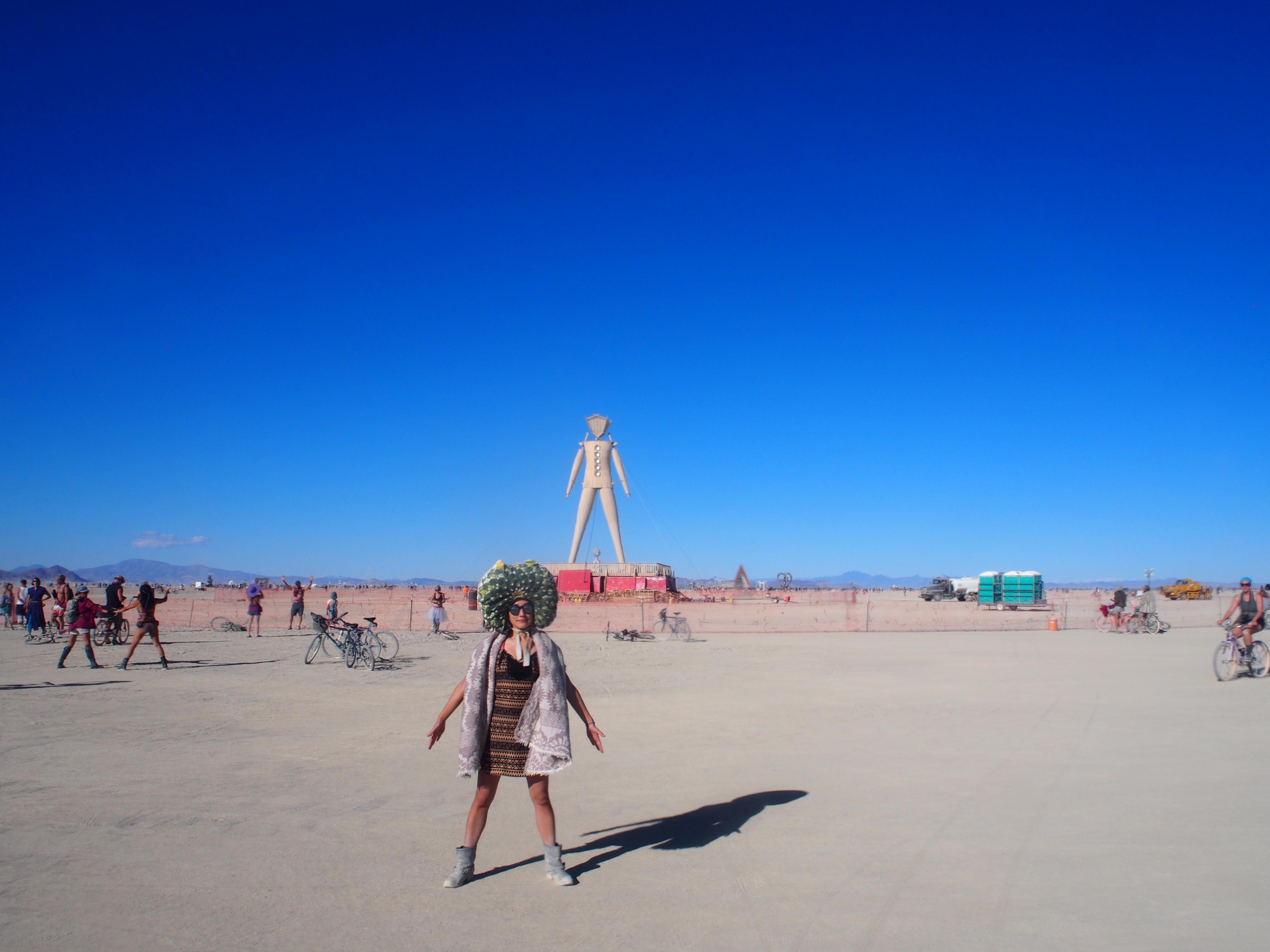 砂漠を緑化! バーニングマン、ブラックロック砂漠編