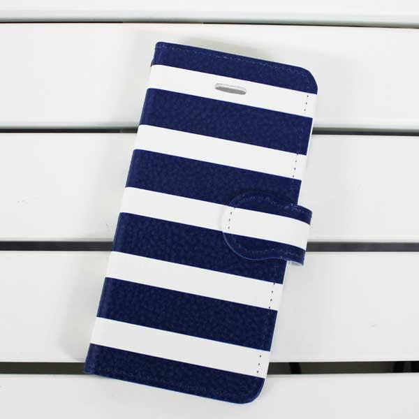 ボーダー好きの服屋が作った15色から選べる手帳型のスマホカバーは、贈り物にも喜ばれています。