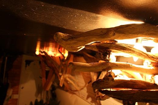 流木ライト、流木インテリア家具に託す気持ち