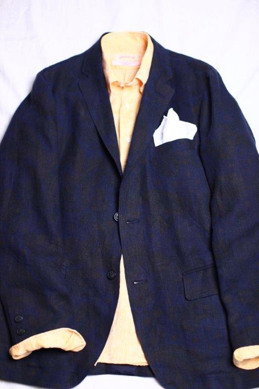 暑い夏でもきちっと感が出るジャケット