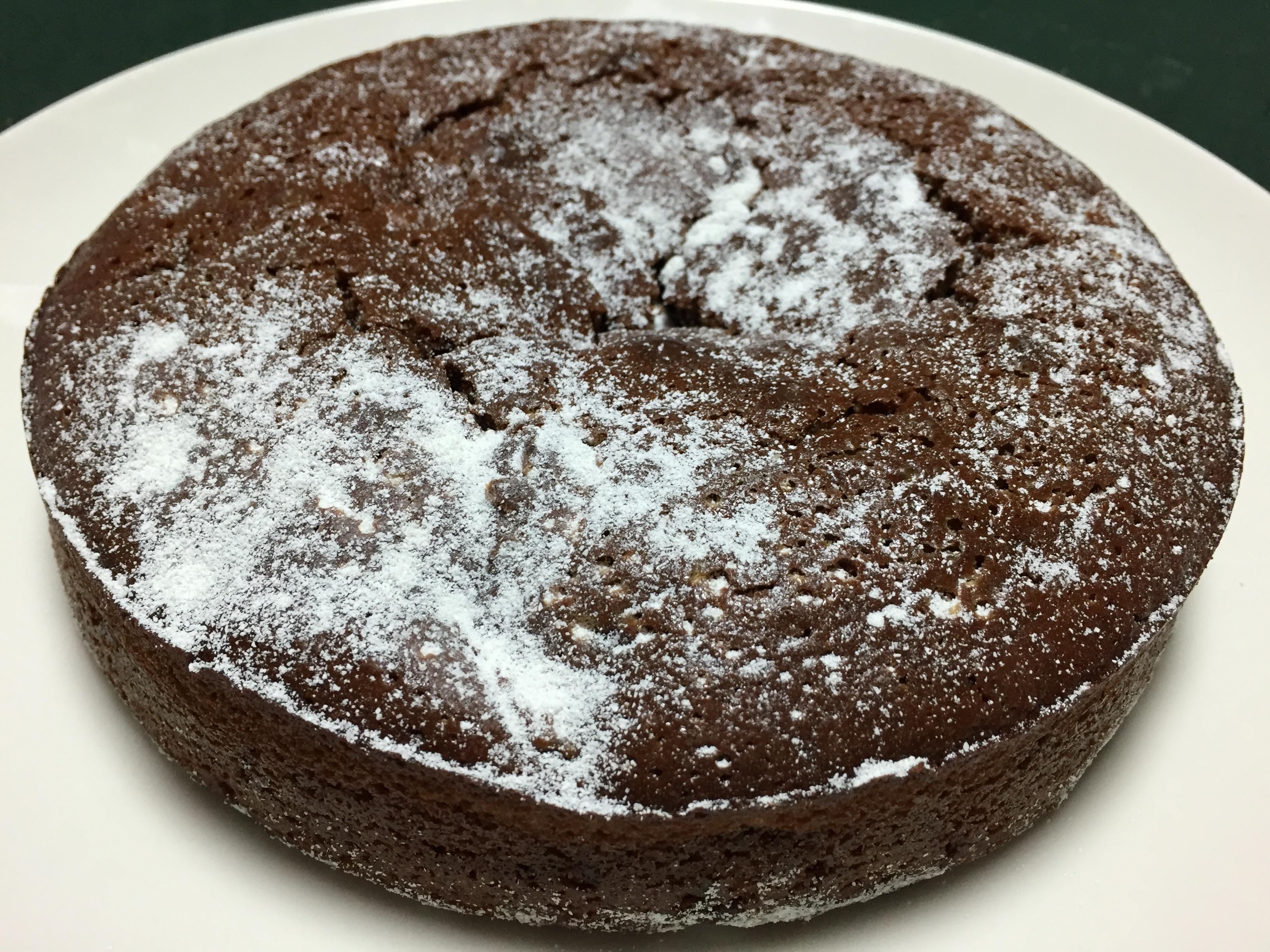 今年のクリスマスケーキに、ビストロ・ヒロのガトー・オ・ショコラはいかがですか?