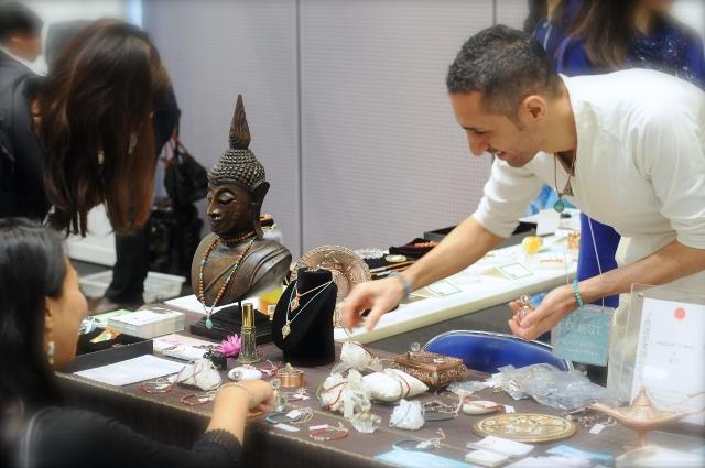 『癒しフェア』レポート  ヨガとパワーストーンで日本を、世界を幸せに