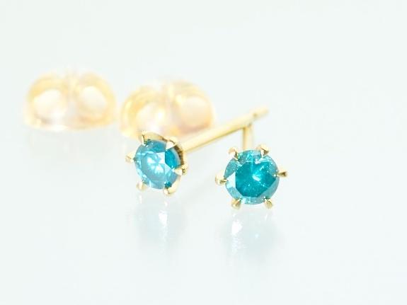 【inGod jewels】天然ブルー ダイヤモンド×K18 6本爪 スタッドピアス