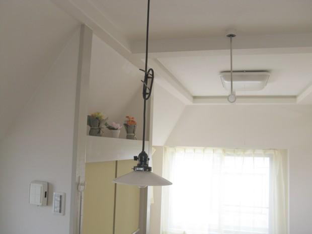 ペンダントライトの吊り高さの簡単調整(コード長さの簡単調整)